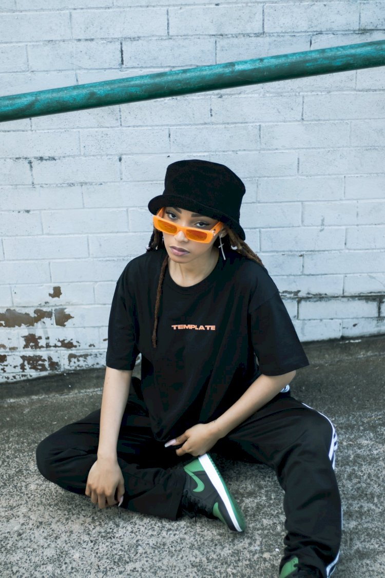 TEMPLATE DELIVERS THE BASIC TEE IN BLACK